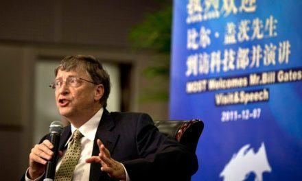 """Bill Gates: """"Eu me sinto muito estúpido por não saber línguas estrangeiras"""""""