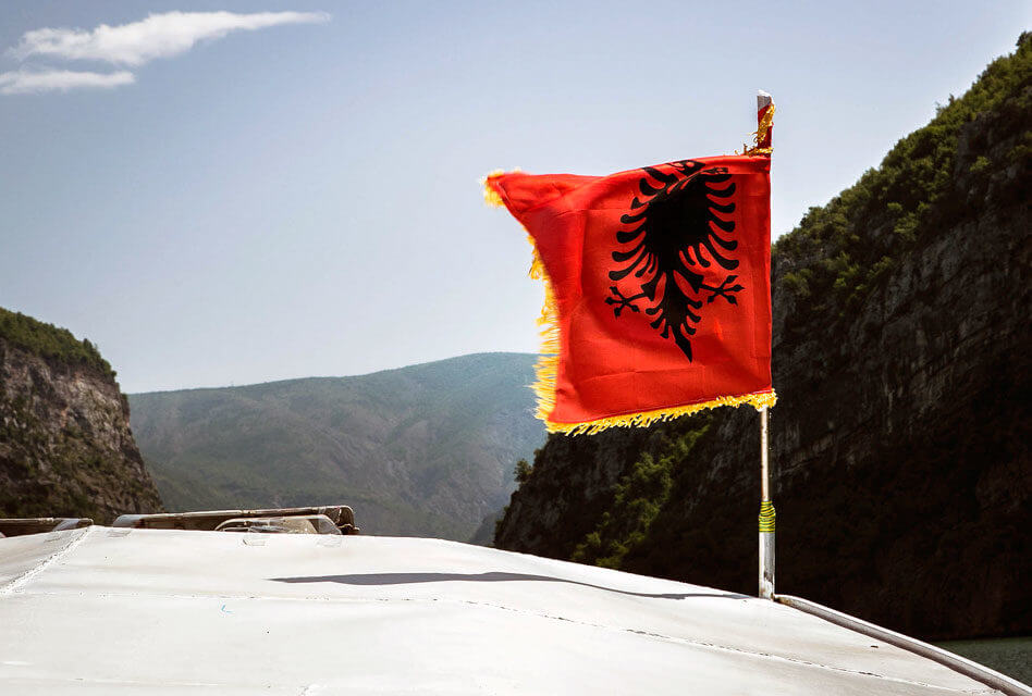 Albanês: O verbo Jam (ser, estar)