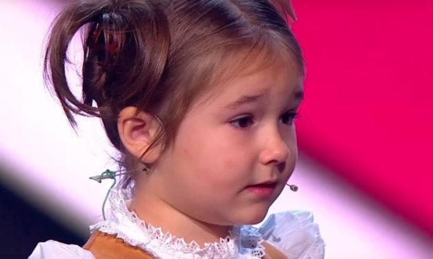 Menina russa de 4 anos fala 7 idiomas
