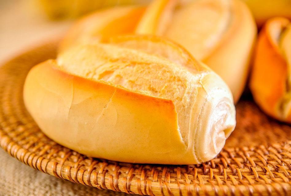 Na França, quando alguém quer pão, pede pão francês ou apenas pão?