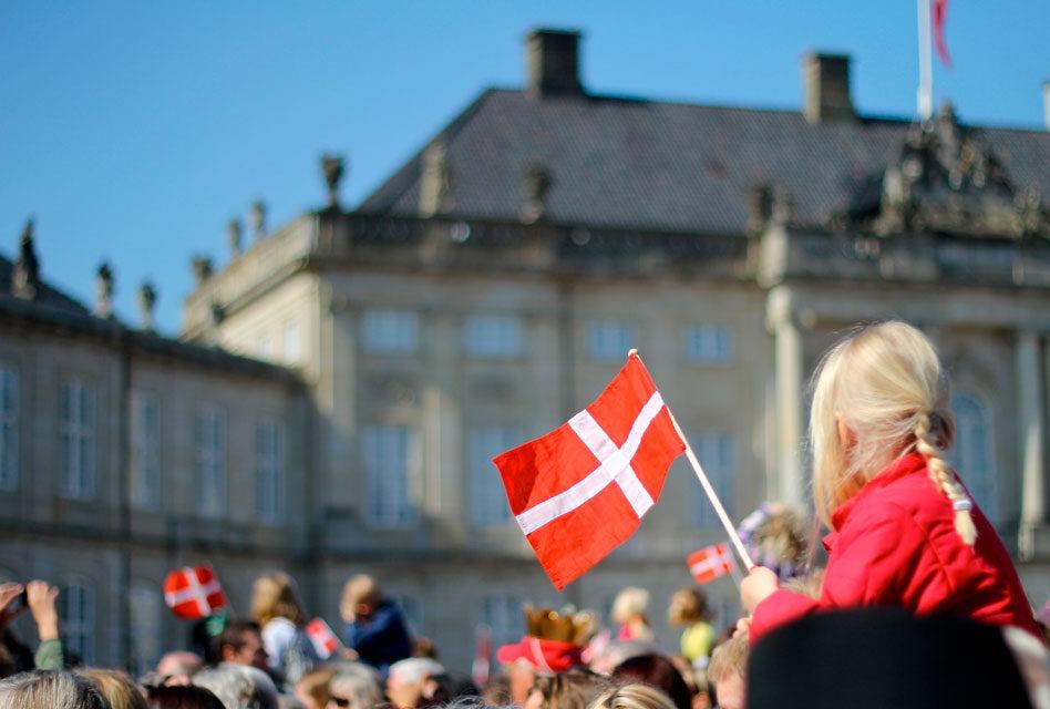 Dinamarquês: Alfabeto e Pronúncia