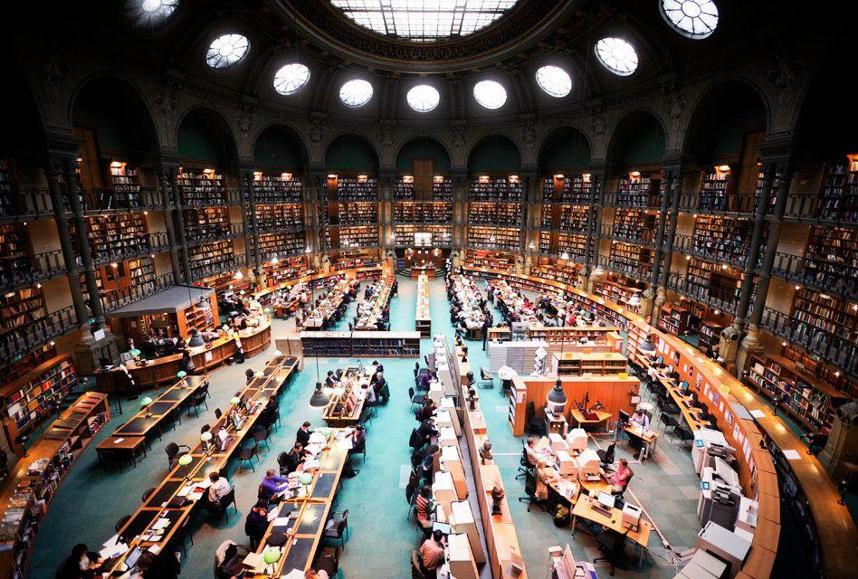 Francês: Le monde académique (Mundo Acadêmico)