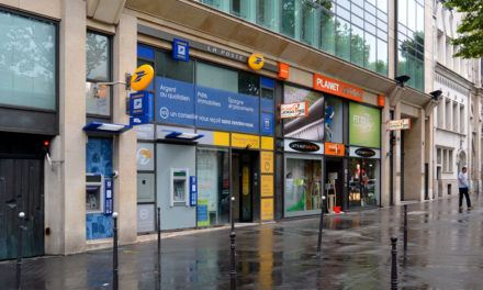 Francês: La poste et la banque (Correio e banco)