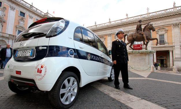 Italiano: La polizia e il crimine (Polícia e crime)