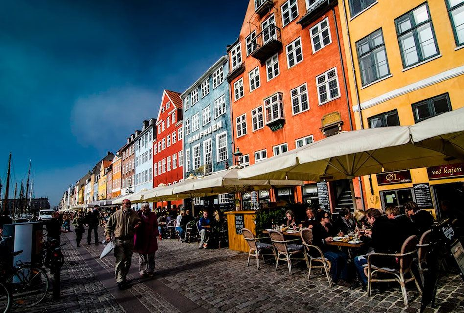Dinamarquês: Os adjetivos e advérbios