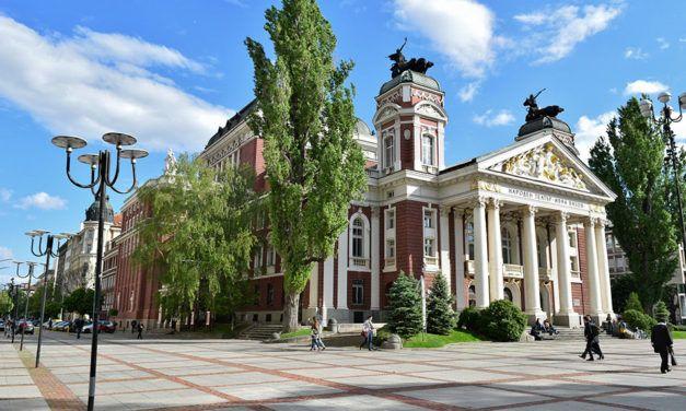 Búlgaro: Os verbos съм (ser, estar) e казвам се (chamar-se)